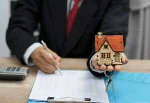איך לבחור עורך דין מקרקעין?