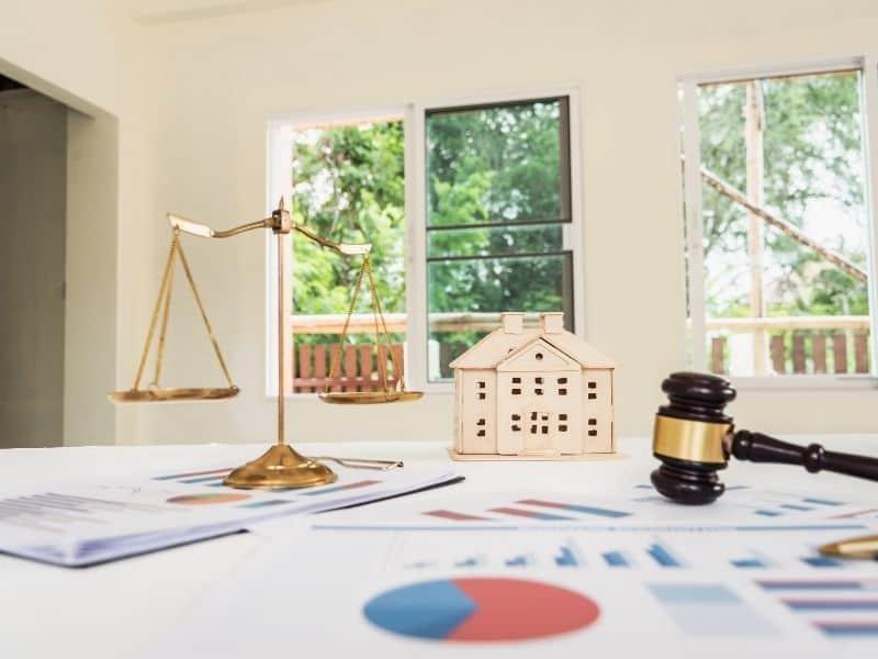 real estate lawyer in Tel Aviv